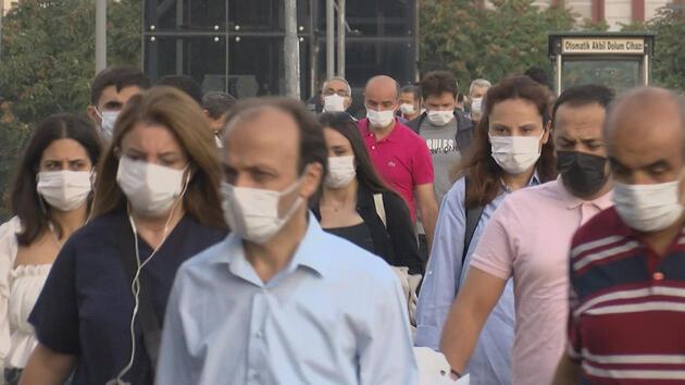 Maskesiz tek bir kişi yok: Toplu ulaşımda umutlandıran fotoğraf