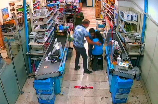 Son dakika... Markette dehşet anları! Kasiyere silah doğrulttu...