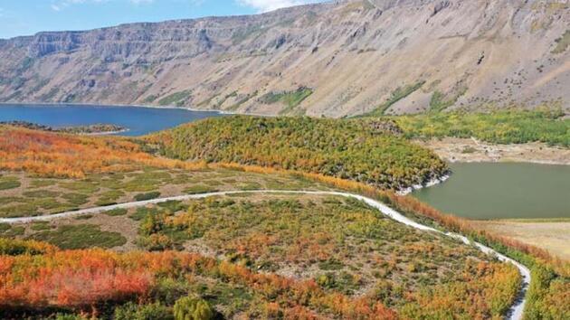 """""""Yeryüzü cenneti"""" Nemrut Krater Gölü sonbahar renklerine büründü"""