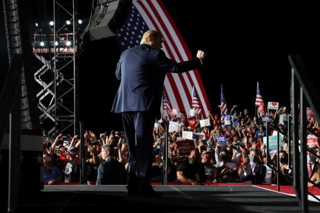 'Evet siyahım ve Trump'a oy veriyorum' mesajı paylaşan birçok hesap sahte olduğu gerekçesiyle askıya alındı