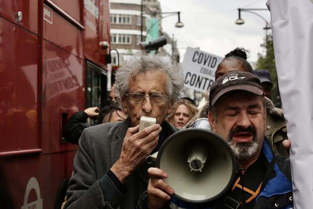 Koronavirüs gölgesinde Londra'da arbede