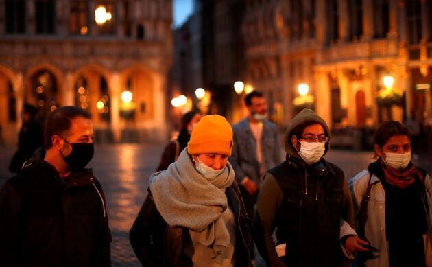 Belçika'da maskesiz muayene yapan aile hekimi 100'den fazla kişiye koronavirüs bulaştırdı
