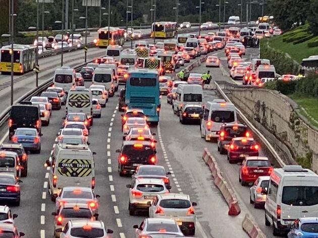 Haftanın ilk iş gününde İstanbul'da trafik yoğunluğu