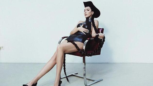 Hande Yener'in kıyafeti olay oldu: Seneye de giyersin