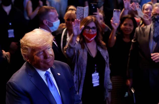 Trump seçimleri kazanması için kilisede kutsandı