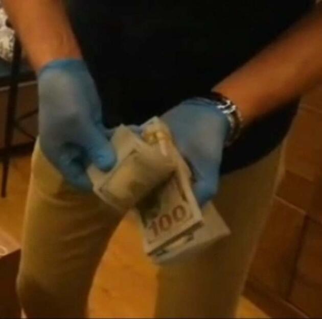 Yardım parası diyerek Belarus rublesi verip, teminat olarak 1 kilo altın aldılar