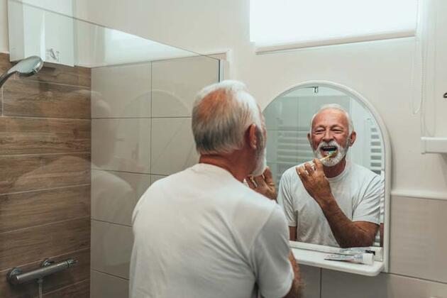 Koronavirüse karşı dezenfektan kadar etkili! Evden çıkmadan önce dişlerinizi fırçalayın