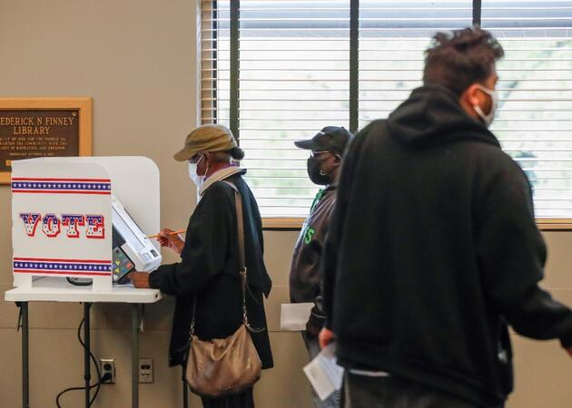 FBI: İran ve Rusya seçimlere müdahale etmeye çalışıyor, bazı seçmen bilgilerini elde etti
