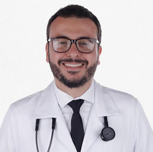 Brezilya'da Oxford'un geliştirdiği aşı deneylerine gönüllü katılan doktor hayatını kaybetti