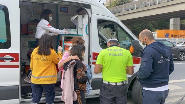 Ataşehir'de otomobil takla attı; 3 kişi yaralandı