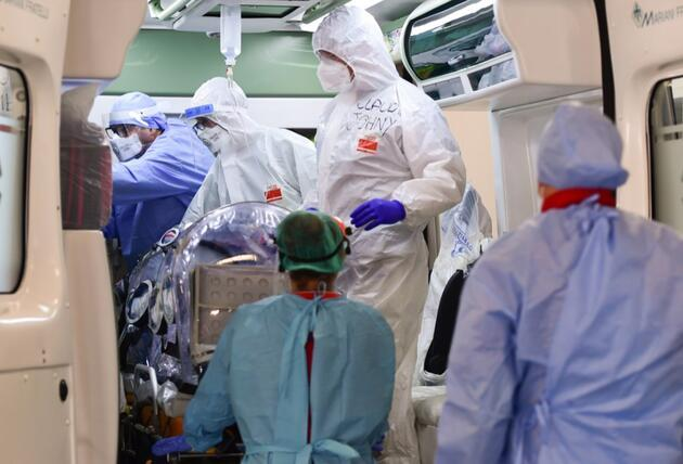 Koronavirüs diğer virüslerden neden farklı ve bu kadar öldürücü?