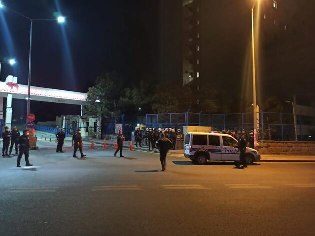 İntihar eden gencin yakınları, sağlık ekipleri ve polise taşla saldırdı