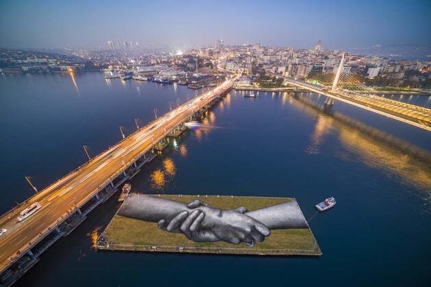 """""""Dünyanın en büyük insan zinciri"""" İstanbul'dan geçiyor"""