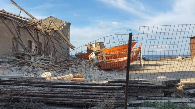 İzmir depremi Yunan adası Samos'u da yıktı