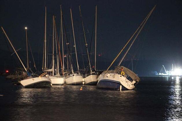 Deprem sonrası denizde ürperten görüntü: Yüzlerce tekne açığa sürüklendi