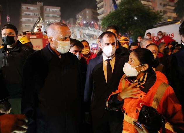 Cumhurbaşkan Erdoğan, İzmir'de deprem bölgesini ziyaret etti
