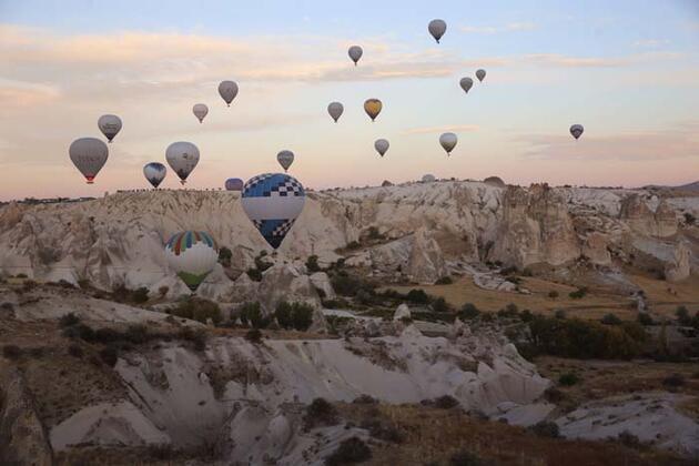 Kapadokya'ya hafta sonunda ziyaretçi akını