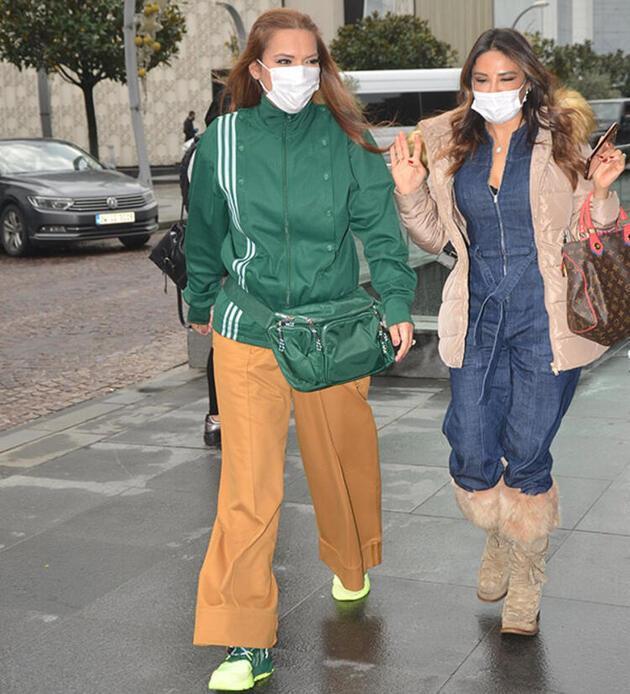 Demet Akalın, Beyonce'nin takımını giydi