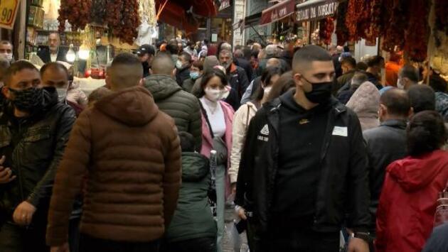 Mısır Çarşısı'nda dikkat çeken kalabalık