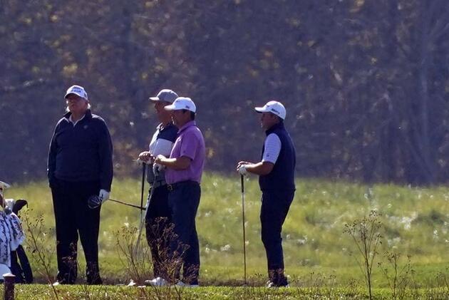 Trump seçimi kaybetti, golf oynamaya gitti