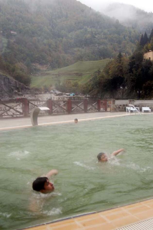 Salgın döneminde bağışıklığı güçlendirdiği belirtilen termal suya ilgi arttı