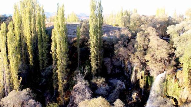 Sızır Şelalesi'nde Hazan güzelliği