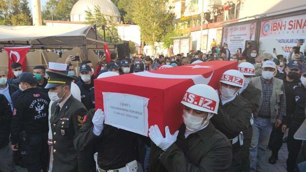Şehit Uzman Çavuş Abdurrahman Topuksuz, son yolculuğuna uğurlandı