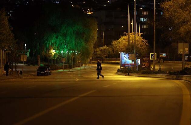 Son dakika haberi... Türkiye genelinde sokağa çıkma kısıtlaması başladı