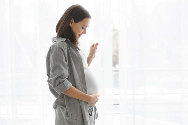 Koronavirüs anne karnındaki bebeğe geçebiliyor