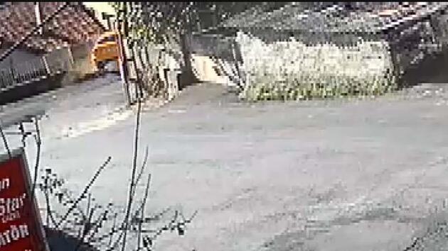 Sarıyer'de taksi evin bahçesine girdi