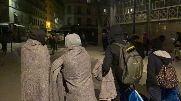 Fransa polisi, kamplarını dağıttığı sığınmacıları sokaklarda kovaladı