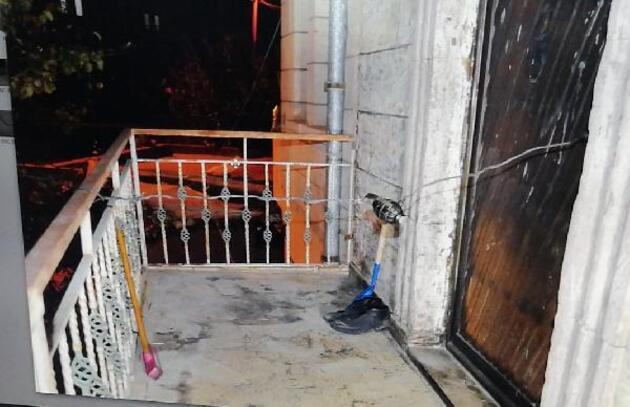Akılalmaz olay! Eşinin kapısına bomba düzeneği kurdu