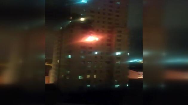 Esenyurt'ta 30 katlı binada yangın çıktı, yüzlerce kişi tahliye edildi