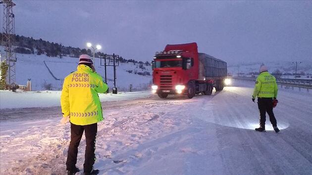 İstanbul'da kış hazırlıkları başladı! 1351 araç, 7031 personel görev yapacak