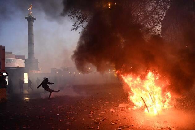 Son dakika haberi... Fransa yine karıştı!
