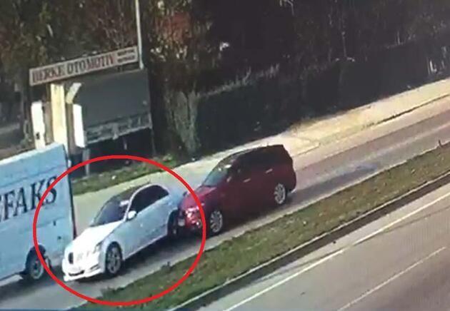 Bursa'da feci kaza! Otomobiller kafa kafaya çarpıştı