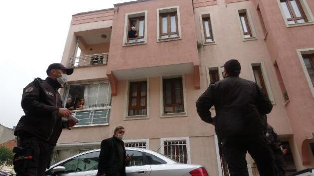 Bekçiler kapı kapı karantina denetimi yapıyor