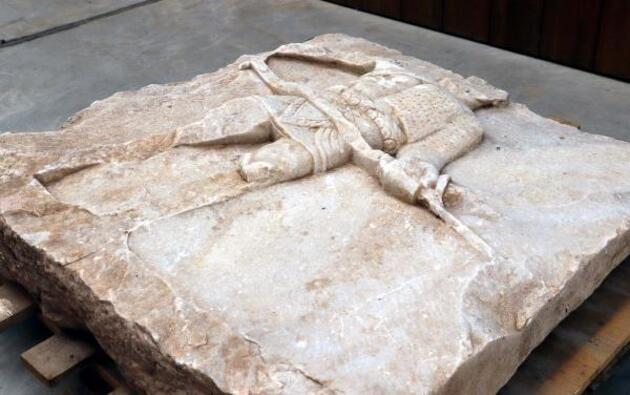 2 bin yıllık gladyatör rölyefinin sırrı çözüldü