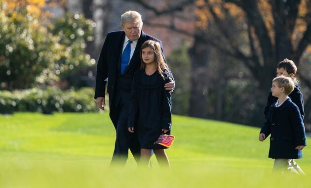 """Trump'ın görevi bırakmadan son planı: """"Gitmeden ailesine önleyici af isteyecek"""""""