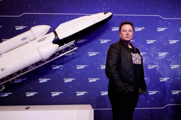 Yeni hedefini açıkladı: Ay'da araba yarışı