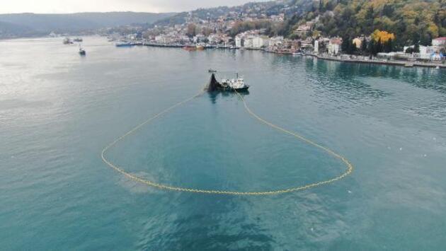 Boğaz'da balıkçı tekneleri tartışma konusu oldu
