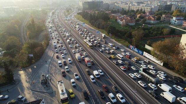 Son dakika... Kısıtlama öncesinde İstanbul trafiği durma noktasında