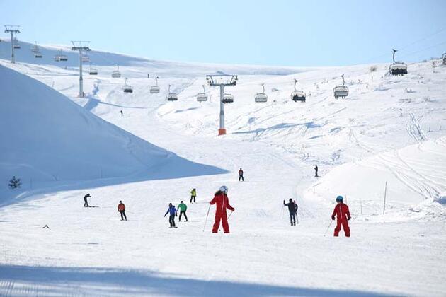 Türkiye'nin denize en yakın kayak tesisi yeniden hizmette