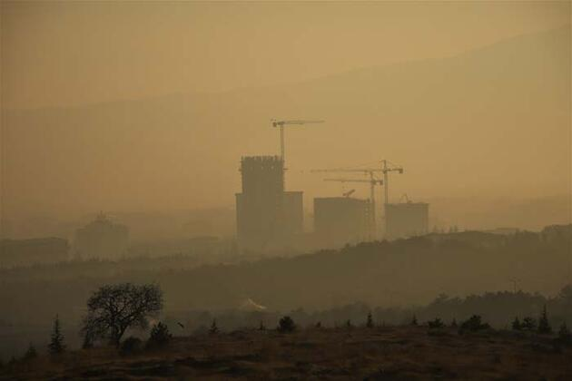 Elazığ'da sis yüksek yapıları içine aldı, görsel şölen oluşturdu