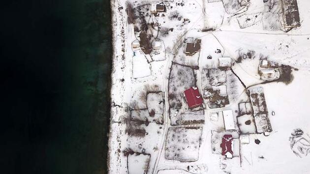 Van Gölü'nün eşsiz güzellikteki koyları görsel şölen sunuyor