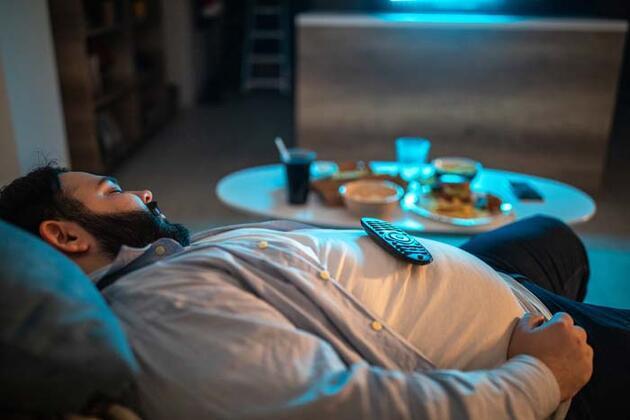 Yemekten sonra uykunuz geliyorsa dikkat! O hastalığın habercisi olabilir
