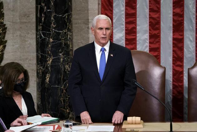 Pence, Trump'ı görevden almak için anayasanın 25. ek maddesini kullanmayacak