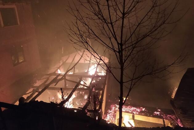 Trabzon'da yangın! 7 ev kül oldu
