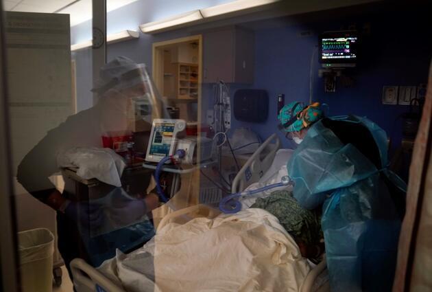 İngiltere'de alarm: Oksijen stokları azalıyor, ağır olmayan hastaların otellere gönderilmesi gündemde