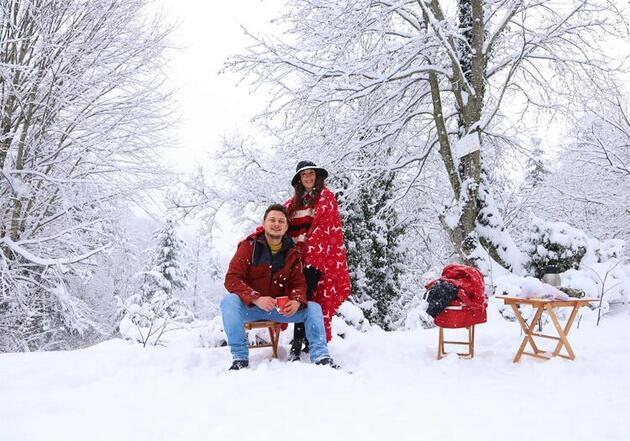 Kayak ve fotoğraf tutkunları, kar yağınca Kartepe'nin yolunu tuttu